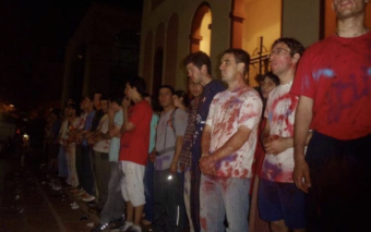 Feminist's attack on Argentina Cathedral and the Response of Faith (Very Graphic)