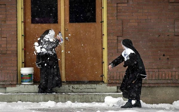 37 Photos that Prove that Nuns Live Boring Lives