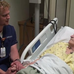 singing nurse Watch This Beautiful Act of Love As A Nurse Sings To His Patients