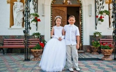 """7 Tips To Keep The """"Holy"""" In First Holy Communion"""