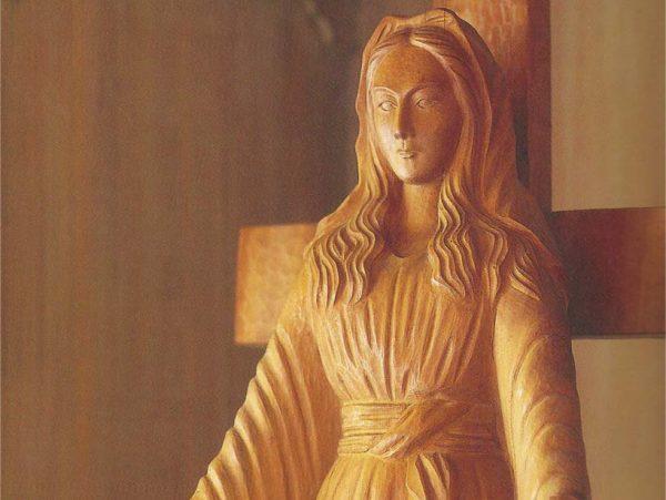 estatua-de-akita mother