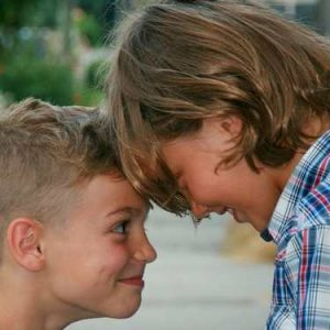 5 Secrets To Establishing A Sibling Bond That Will Last A Lifetime