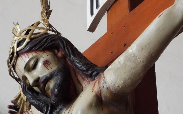 10 Quotes to Help You Meditate on the Exaltation of the Holy Cross