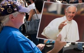 """I'm not Catholic, but…"" 24 Quotes from Non-Catholics About Pope Francis' Visit to the U.S."