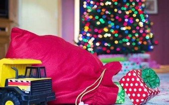 Top 20 Catholic Christmas Gifts for 2015  (and a chance for you to win $400 worth of gifts!)