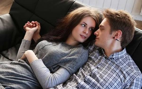 5 Tips for Spending Alone Time with your Girlfriend Without Having to go to Confession the Next Day