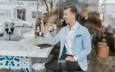 """9 """"Pro-Tips"""" For Meeting And Dating Online"""