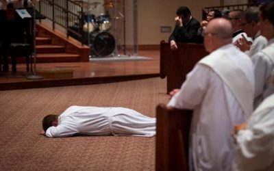 7 Unmerited Gifts that God Gives to Priests and Consecrated Religious