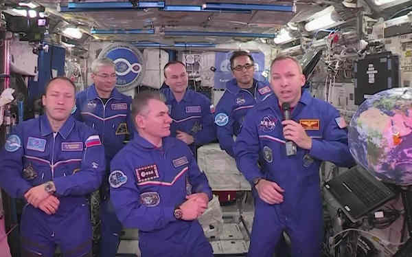 catholic pope francis meets astronauts in space