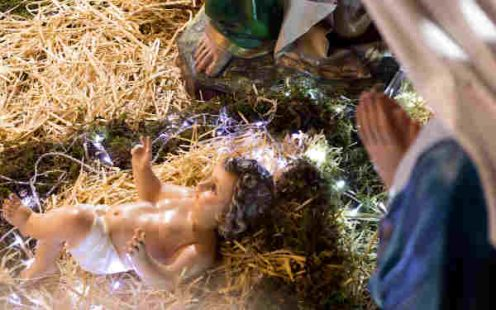 why did Jesus have swaddling cloths