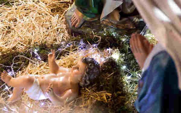 """Why Does It Matter That Jesus Was """"Wrapped In Swaddling Clothes""""?"""