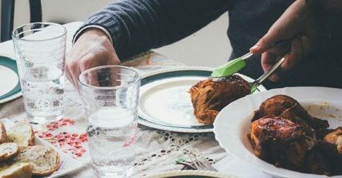 gift meal ANDRIK LANGFIELD PETRIDES / unsplash