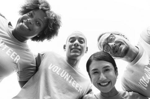 Catholic volunteer programs to help others
