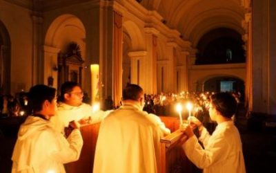 If You've Never Been To Easter Vigil Mass, Here's Why You Need To Go