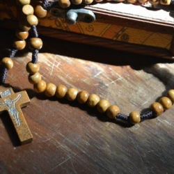 15 Promises Of The Rosary | Video