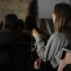 How Meditation On The Rosary Brings Healing