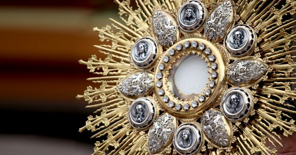 Adoration How to Go to Eucharistic Adoration Holy Hour Quotes On The Eucharist