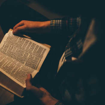Pray The Gospels In 30 Days? Here's How It's Possible...